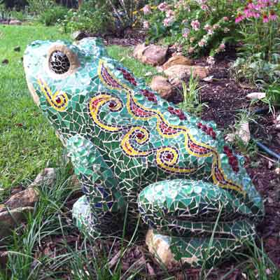 Frog mosaic lawn sculpture