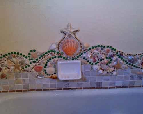 mosaic backsplash tub detail