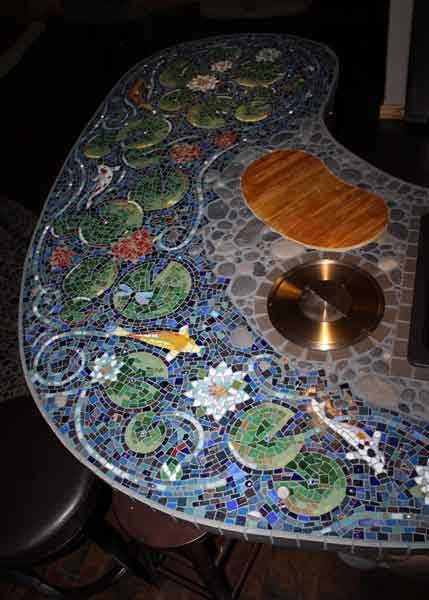 cutting board detail of mosaic bar