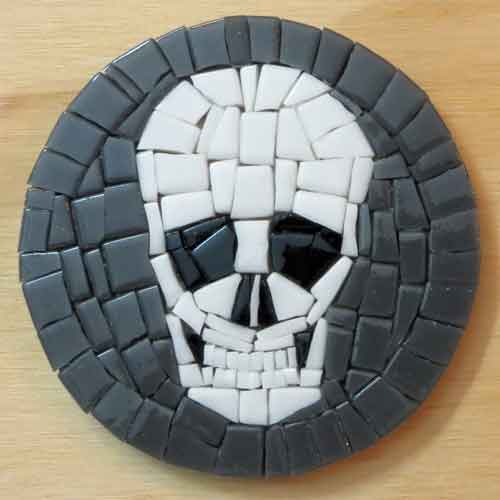 mosaic-skull-coaster