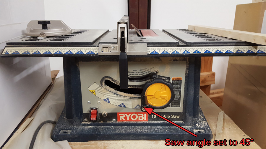 table saw set at 45° angle